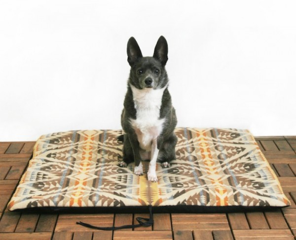 TRAVEL BED BY GREY PAW DESIGNS