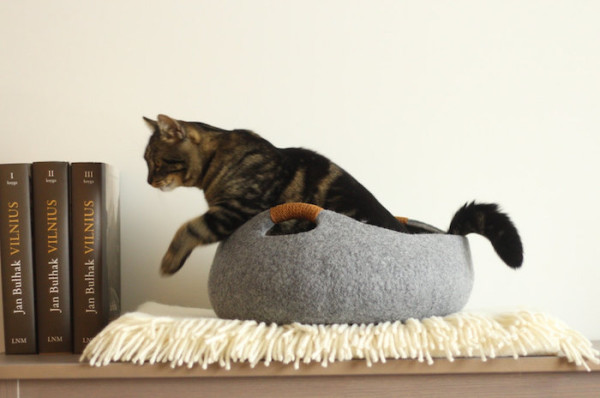 Felted wool cat bed basket by Elevele