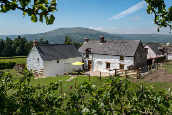 Sugar Loaf Farm House Brecon Beacons Dog Friendly Holiday Cottage