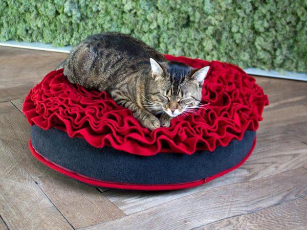 Luxury Lounge Rose Cat Bed